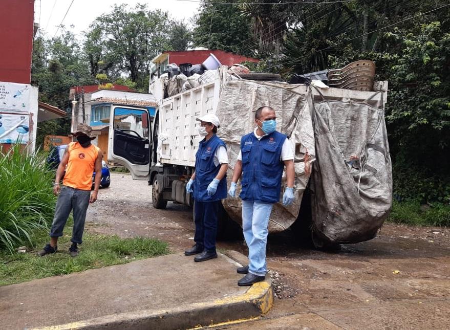 Recolectan tonelada y media de cacharros para combatir al dengue en colonia Libertad