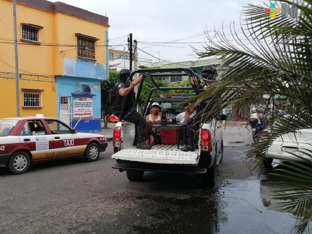Detienen a dos sujetos por presunto robo a escuela de Veracruz puerto