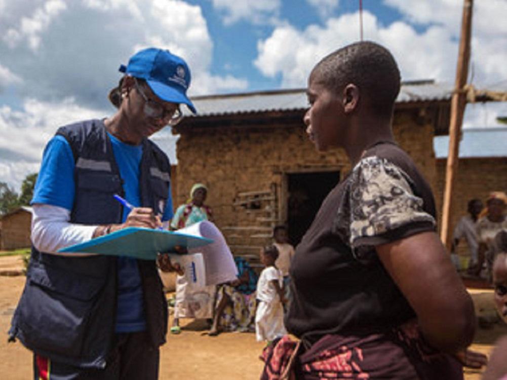 Doctora haitiana lucha contra ébola y COVID en África