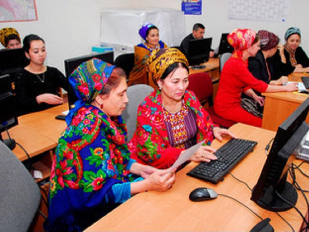 Economía digital permite a ciudadanos controlar sus finanzas y contribuir al desarrollo sostenible