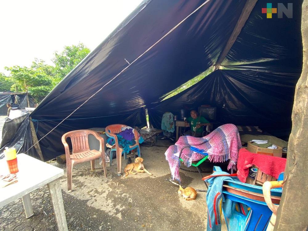 PC estatal activa refugios temporales y entrega despensas a familias damnificadas en Jesús Carranza