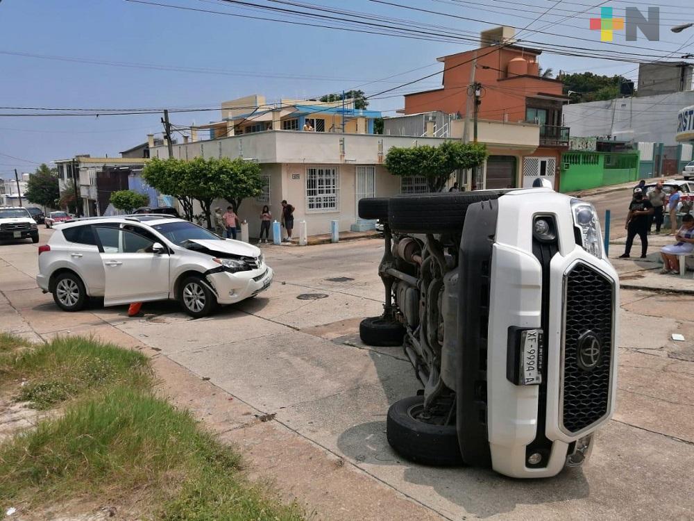 En Coatzacoalcos, accidente deja pérdidas materiales por más de 45 mil pesos