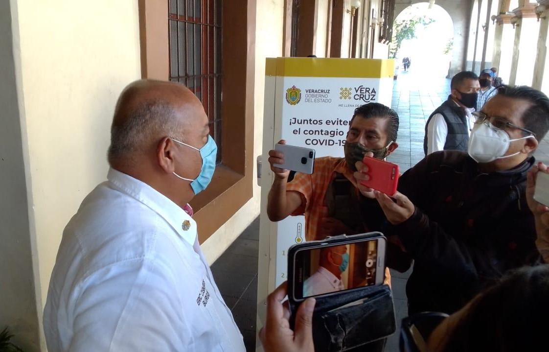 Después de superar al COVID-19, reapareció Eric Cisneros en actividades en Palacio de Gobierno