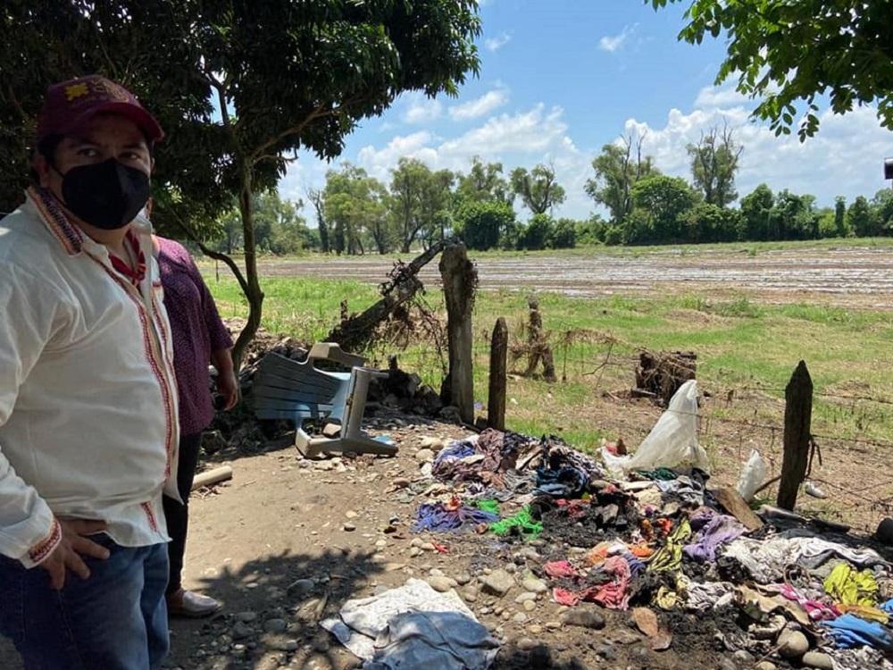 Familias afectadas por lluvia en la sierra del Totonacapan reciben apoyos de parte de las autoridades