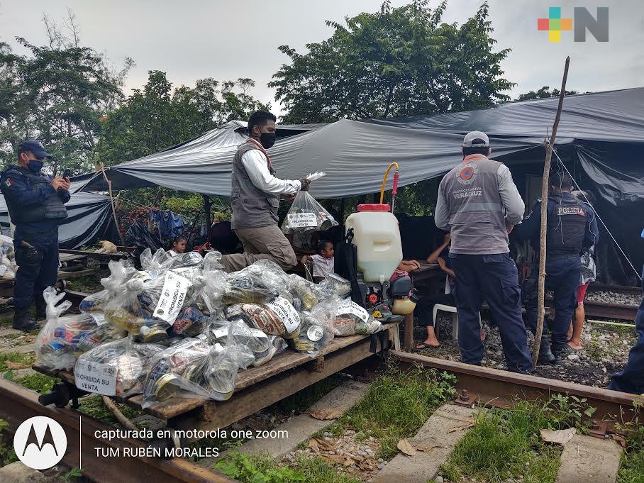 En Jesús Carranza, entrega PC insumos a familias afectadas por desbordamiento de ríos