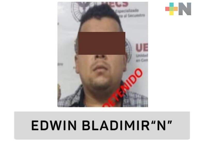 Detienen UECS y FGR a líder delincuencial por secuestro en la zona centro