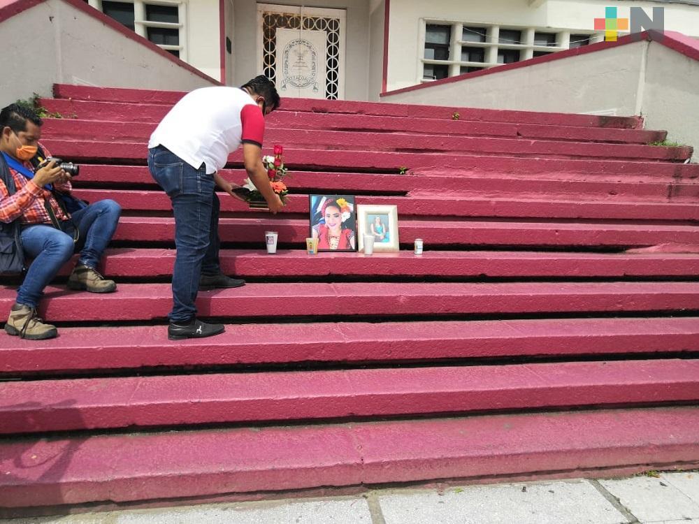 Periodistas de Coatzacoalcos dan último adiós a la alcaldesa de Moloacán
