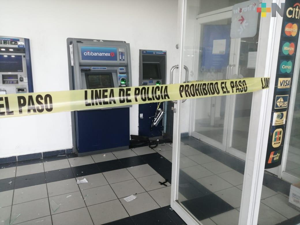 Roban cajero automático en centro comercial del municipio de Veracruz