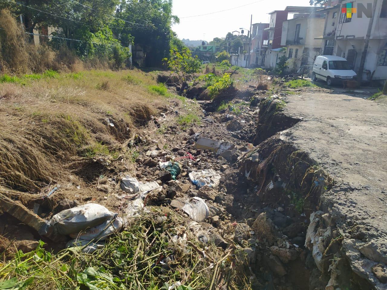 Colonos exigen continúen trabajos de drenaje pluvial