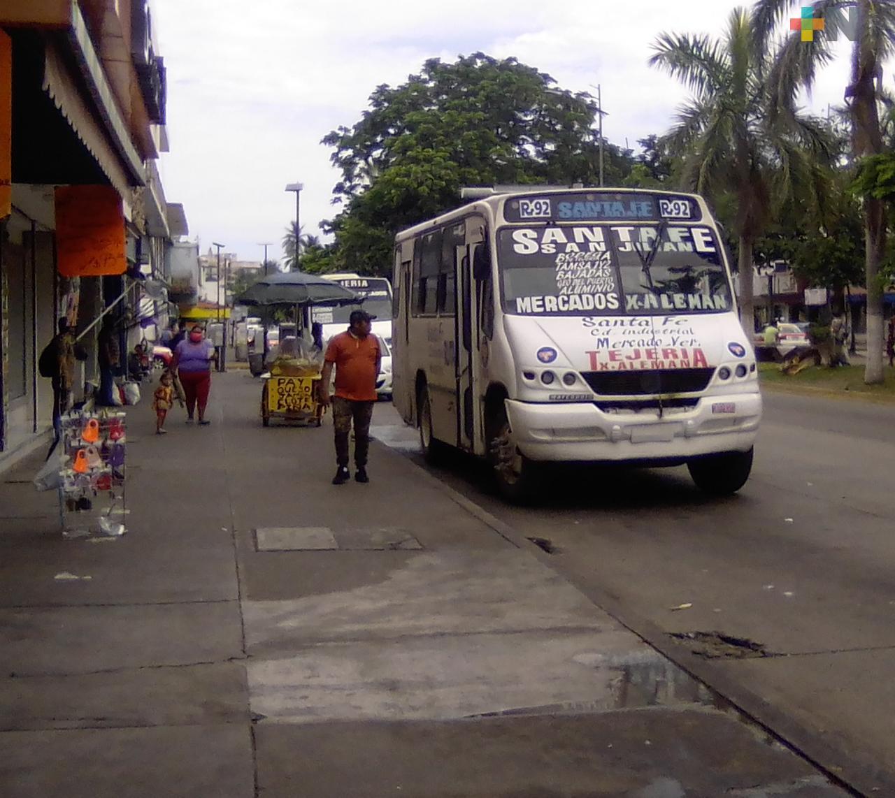 Choferes y usuarios de  transporte público deben cumplir con medidas sanitarias