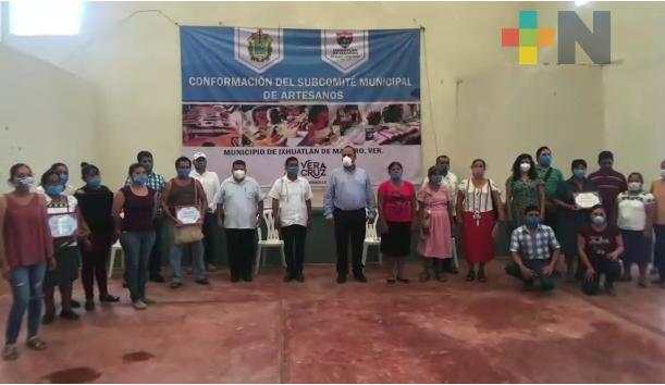 Conforman subcomité municipal de artesanos en Ixhuatlán de Madero