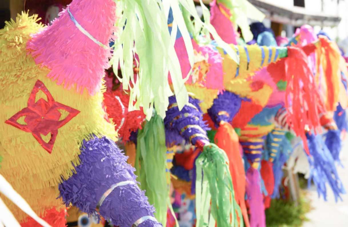 Invitan a participar en concurso de piñatas infantil y juvenil