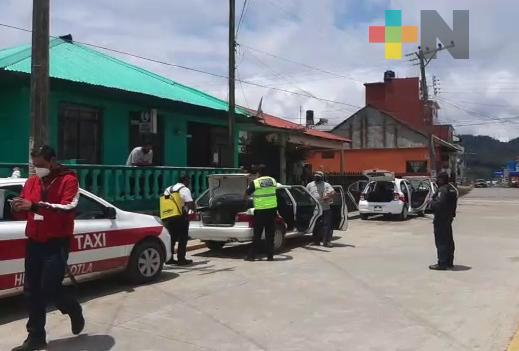 Llevan a cabo jornada de sanitización preventiva en transporte público por COVID 19 en Huayacocotla