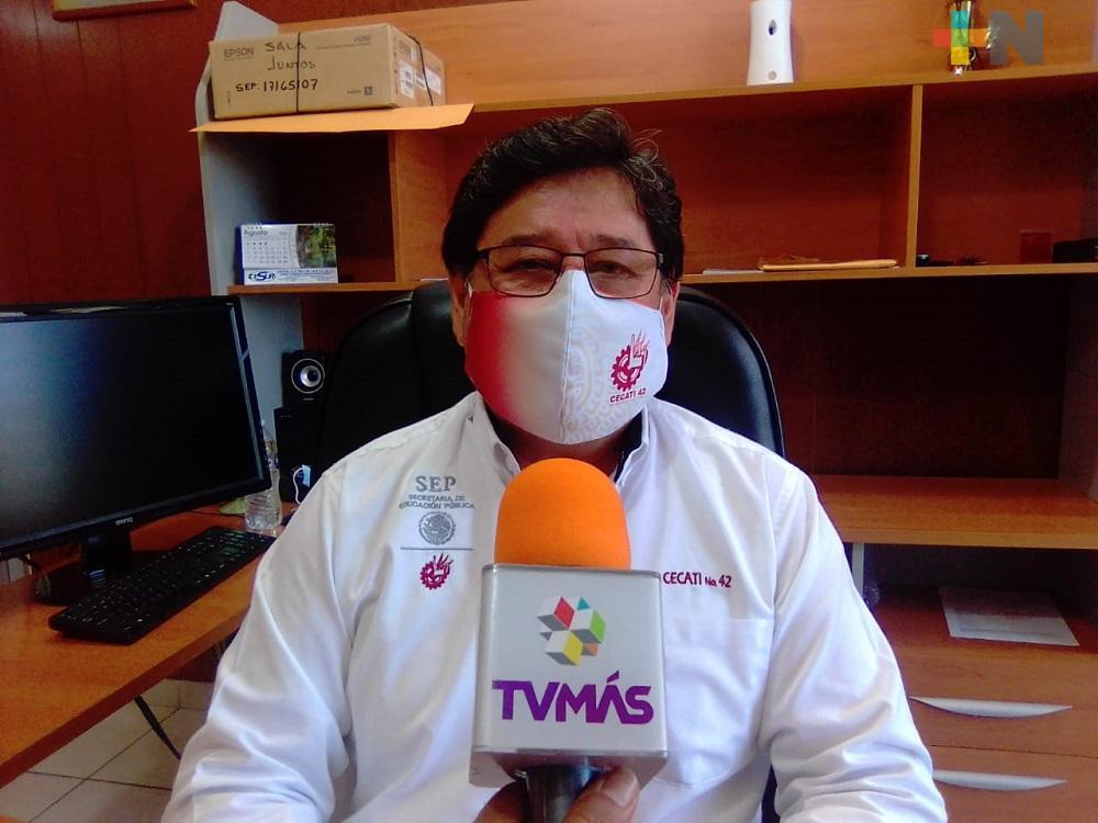 Cecati 42 del municipio de Veracruz, en contacto con veracruzanos que laboran en Canadá