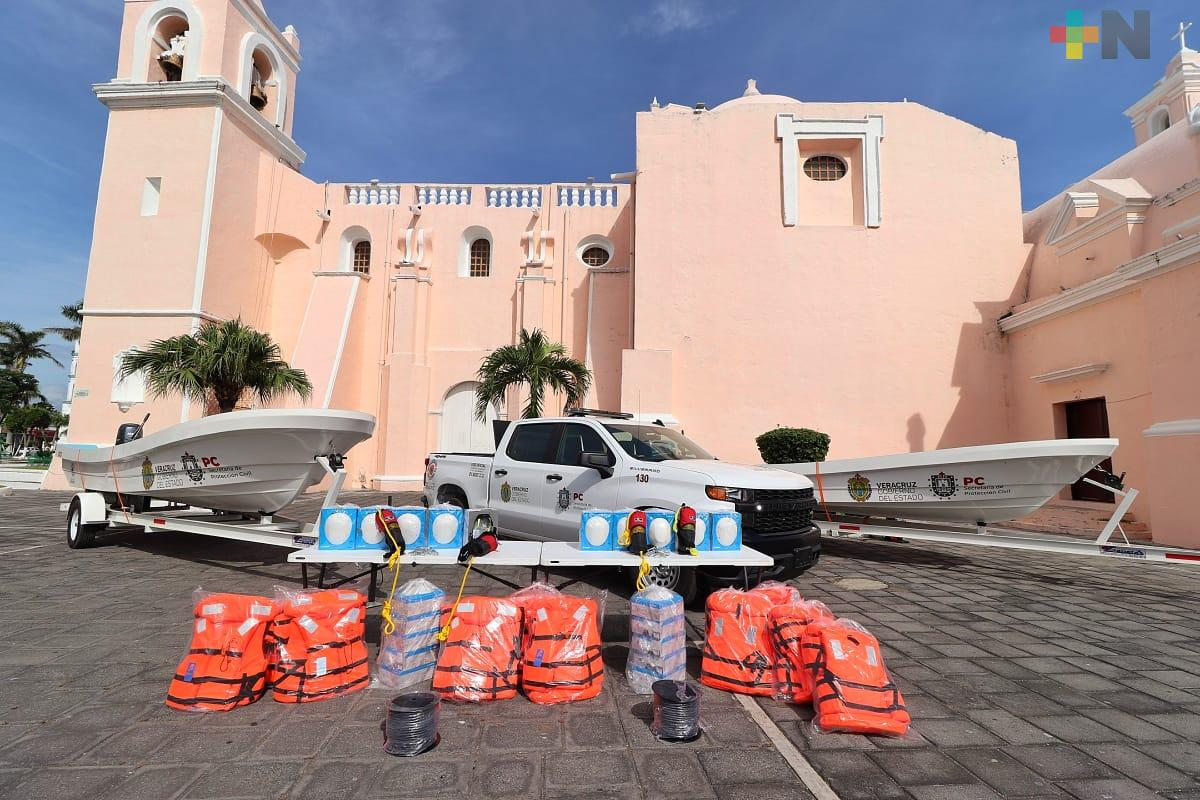 Tlacotalpan recibe equipo de Protección Civil del gobierno estatal