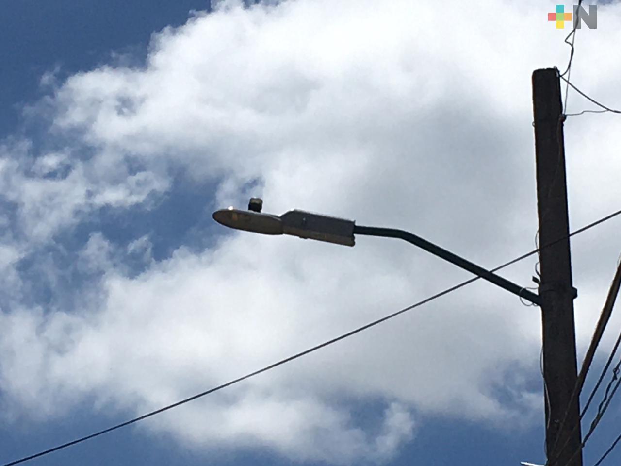 Sustituirán luminarias en 155 colonias de la periferia y congregaciones de Xalapa