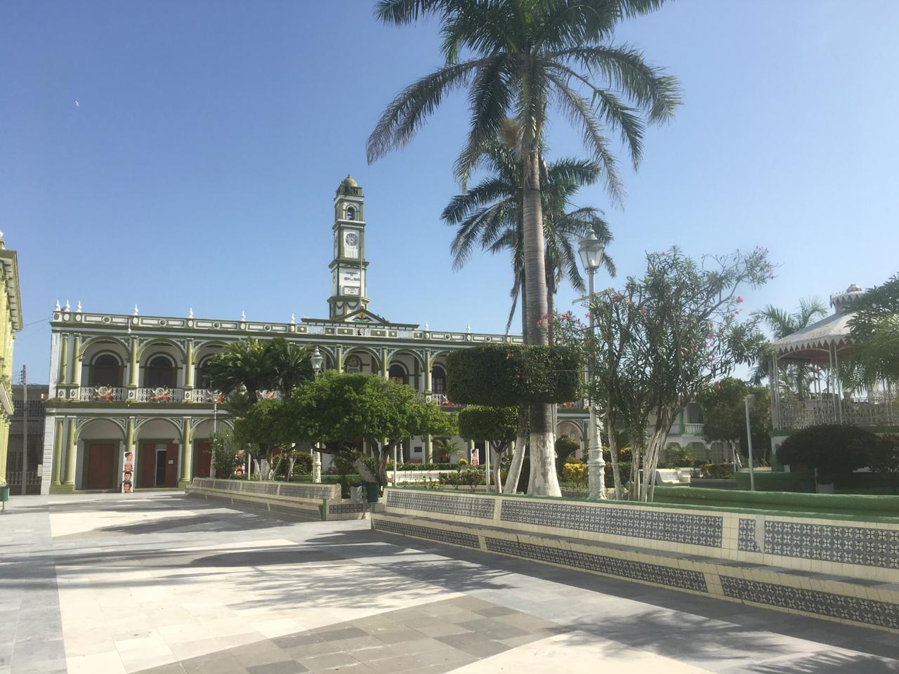 Alvarado, su parque y su palacio municipal