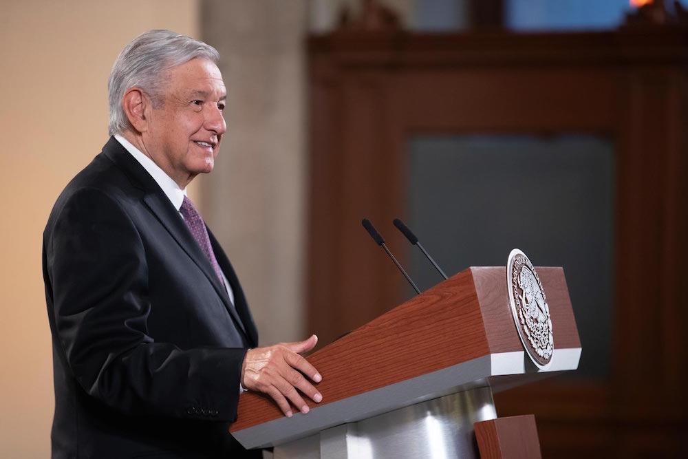 Presidente recomienda a organismos autónomos y partidos políticos actuar con austeridad