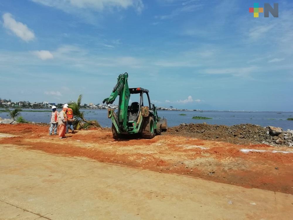 Ampliación y remodelación del malecón ribereño de Villa Allende, con avance del 70%