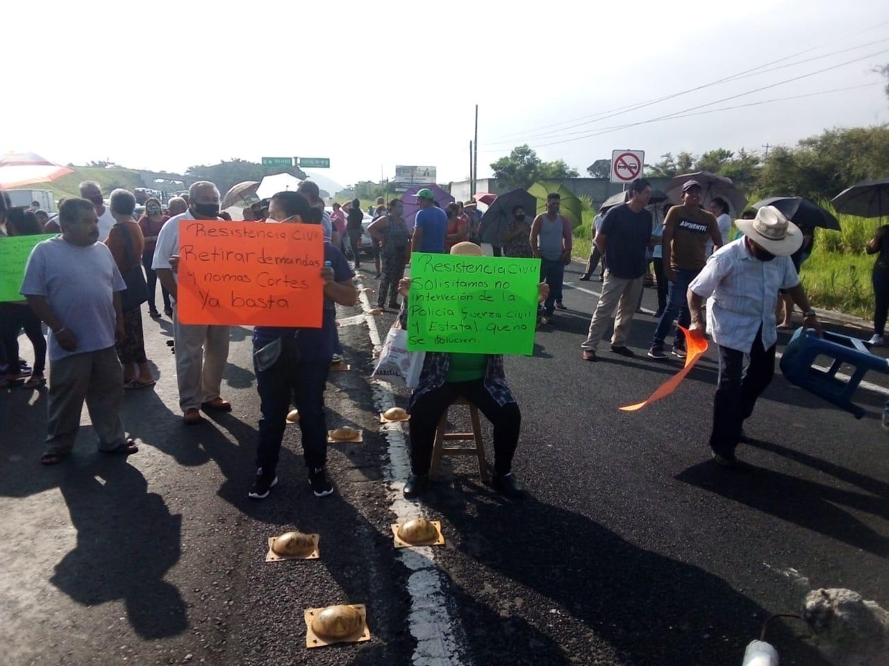 Manifestantes bloquearon la carretera Xalapa-Veracruz a la altura de Cerro Gordo