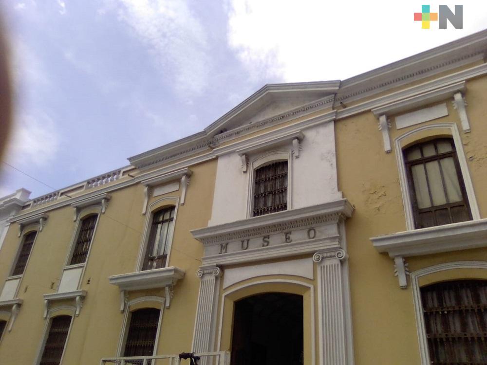 Con semáforo rojo, Ayuntamiento de Veracruz anuncia reapertura de recintos culturales