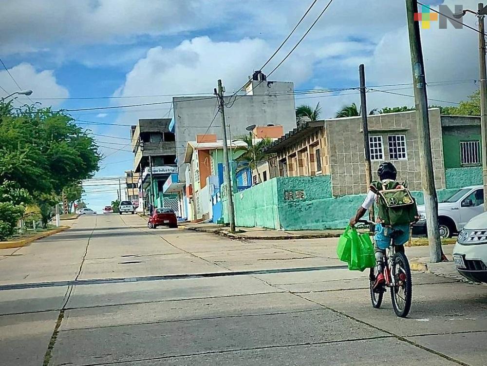 En Coatzacoalcos, ciudadanos muestran apoyo a joven con discapacidad que robaron su bicicleta