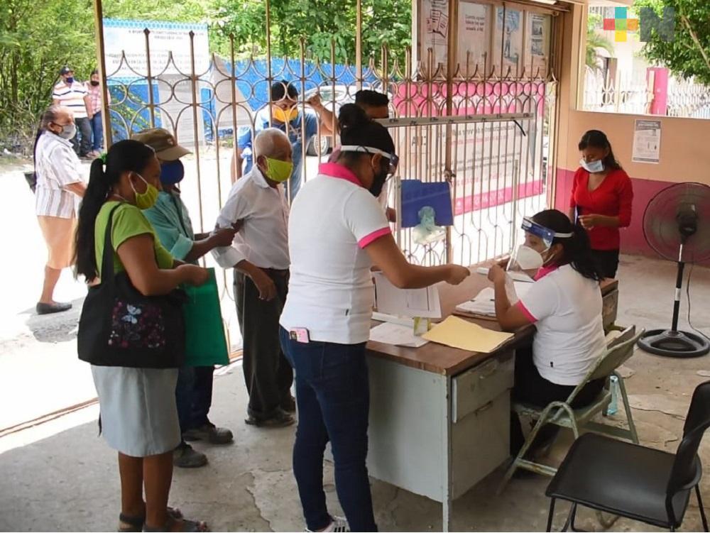 Con módulo de atención ciudadana, INE atiende a cientos de personas en Tantoyuca