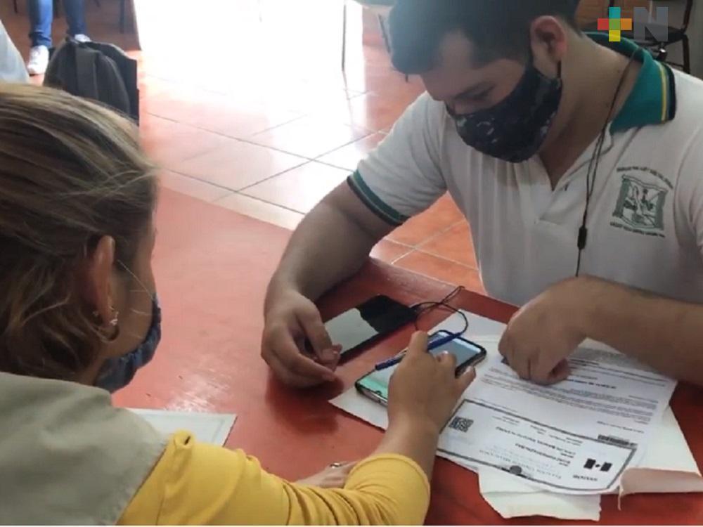 Entregan becas a estudiantes de Bachilleres Tecnológicos de Úrsulo Galván