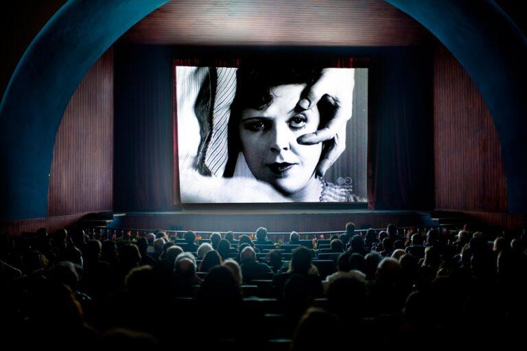 """Presenta IVEC conferencia """"El pensamiento filosófico en el cine"""""""