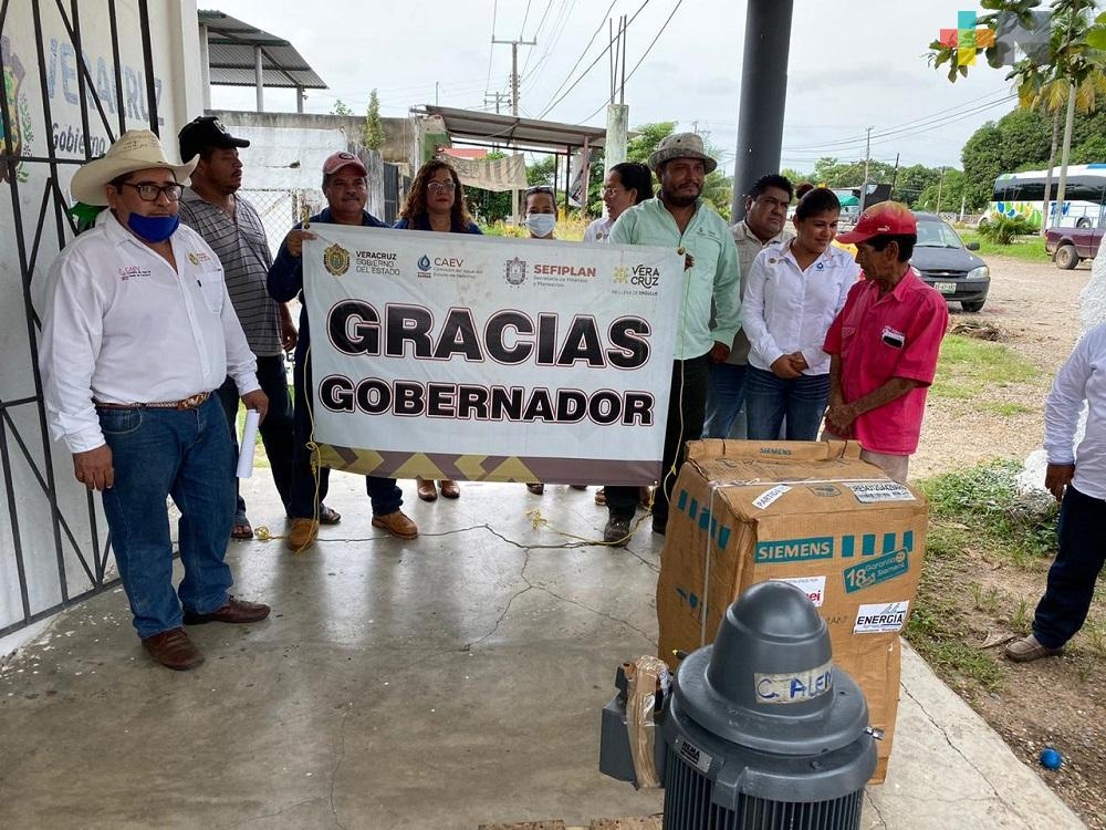 Gobernador Cuitláhuac García modernizará sistema de agua potable en congregaciones del municipio de Cosamalopan