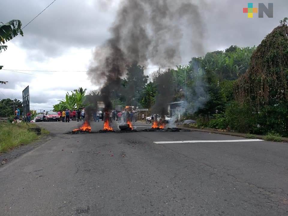 Liberan carretera  Atzalan-Tlapacoyan