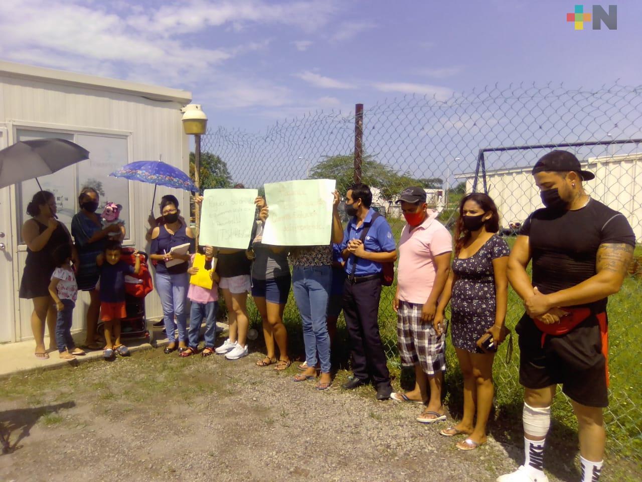 Ayuntamiento deja sin alumbrado a fraccionamiento del puerto de Veracruz y aumentan robos