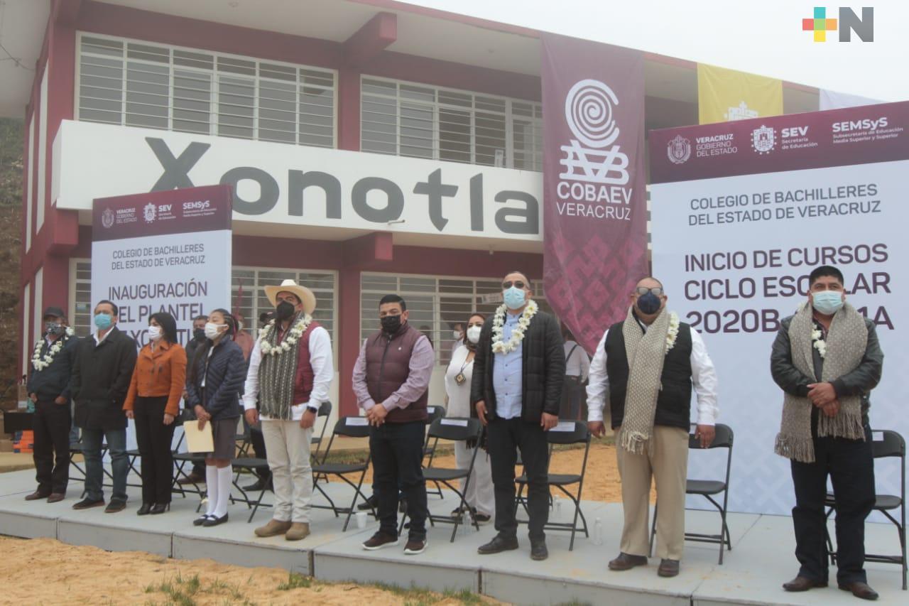 Inicia Ciclo Escolar para educación media superior y superior; inaugura SEV plantel COBAEV en Soledad Atzompa