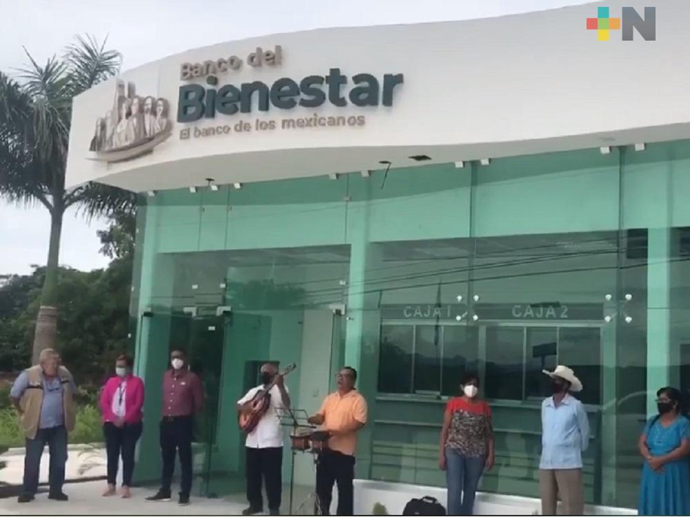 Manuel Huerta comprueba conclusión de sucursal de Banco de Bienestar en Carrizal