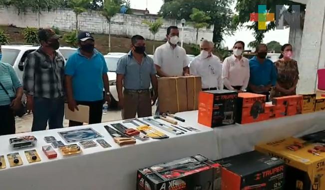 Entrega DIF de Minatitlán proyectos productivos a comunidades