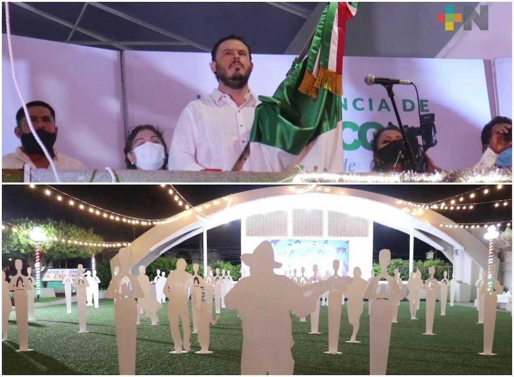 Con homenaje a víctimas por COVID-19, Cosoleacaque realizó ceremonia del Grito de Independencia de forma virtual