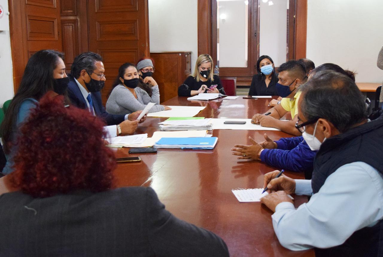 IPAX abre mesa de diálogo con manifestantes de Plaza Lerdo