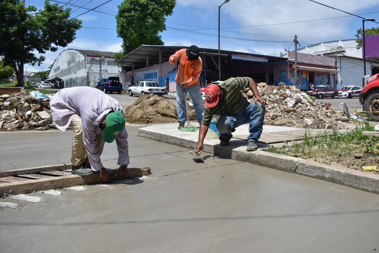 Hay 23 obras de servicios básicos en proceso y 35 iniciarán próximamente, en Coatzacoalcos
