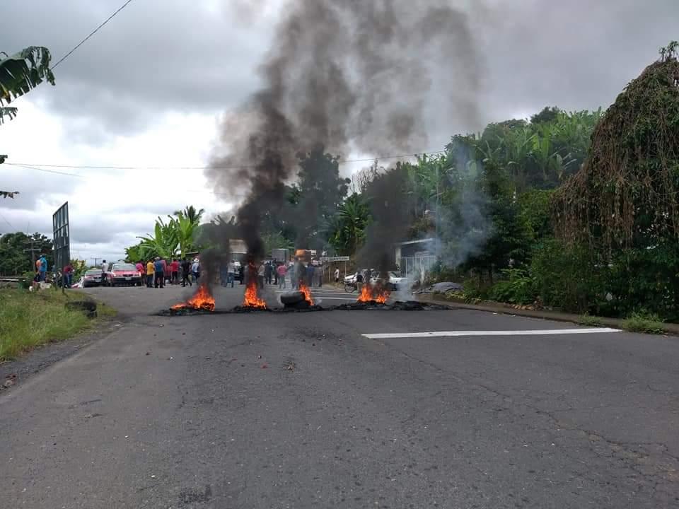 Amenazan con volver a bloquear la carretera Tlapacoyan-Atzalan, este lunes