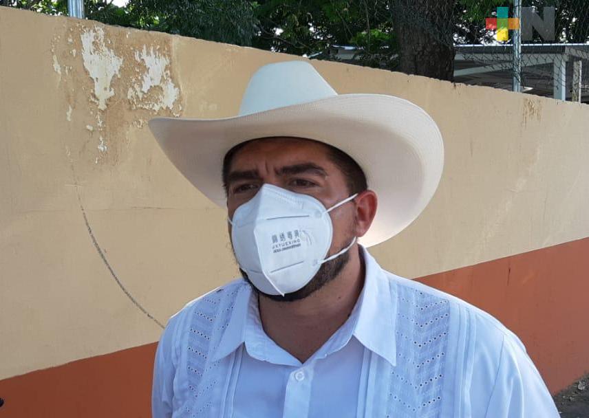 Asegura Zenyazen Escobar que seguirán atendiendo necesidades de escuelas para contar con espacios dignos