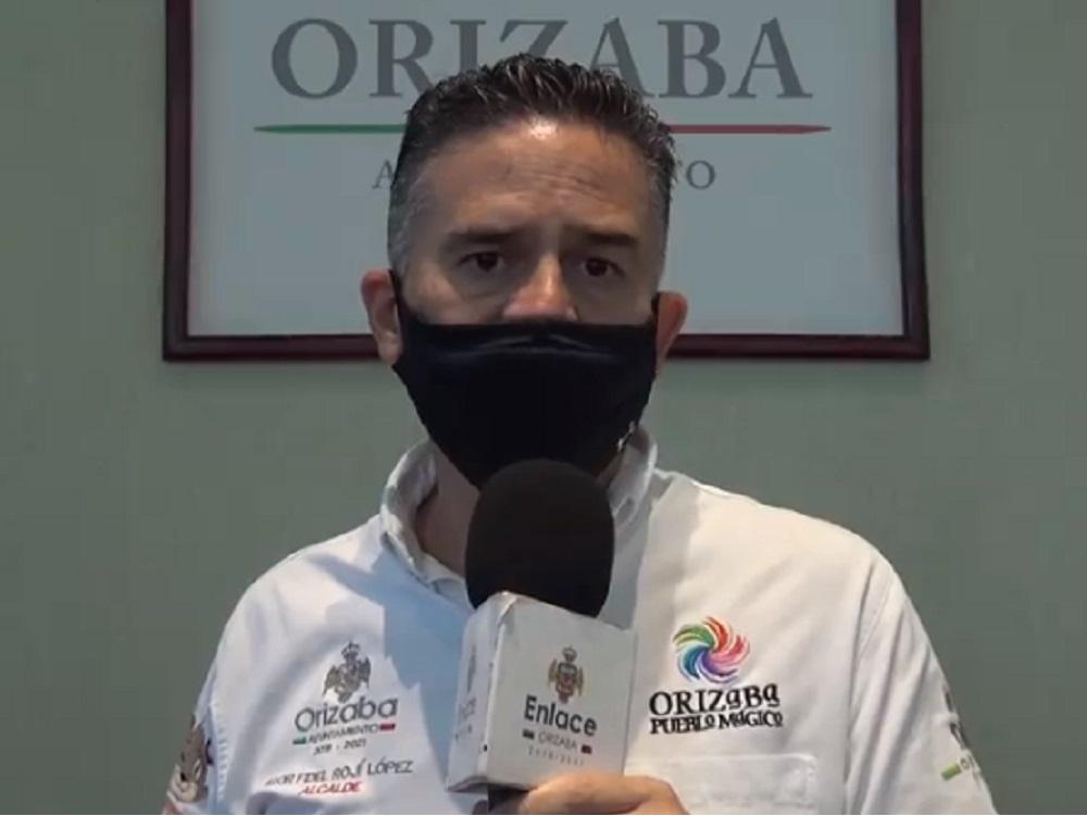 Anuncia alcalde de Orizaba reapertura de comercios, y  pone a disposición computadoras con internet