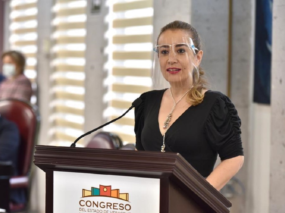 Visibilizar violencia en el noviazgo y violencia mediática, propone Nora Lagunes