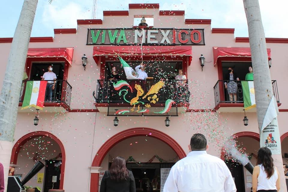 En calma celebraron Grito de Independencia en Coatepec, Banderilla y Emiliano Zapata