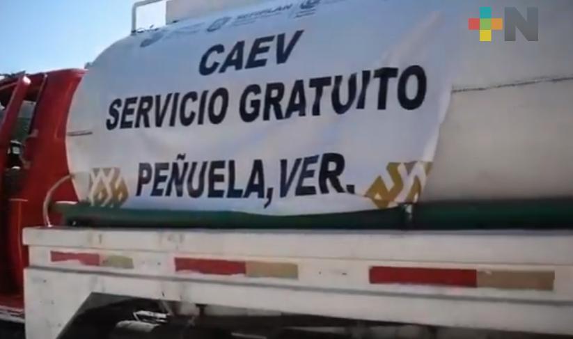 Vecinos de comunidad de Amatlán de los Reyes agradecen a CAEV por apoyarles con pipas
