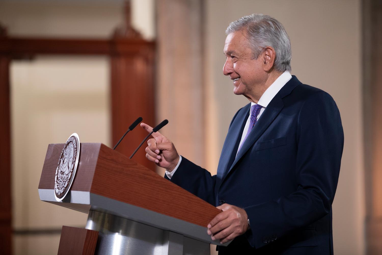 Presidente analiza reforma para priorizar interés de la nación en materia energética