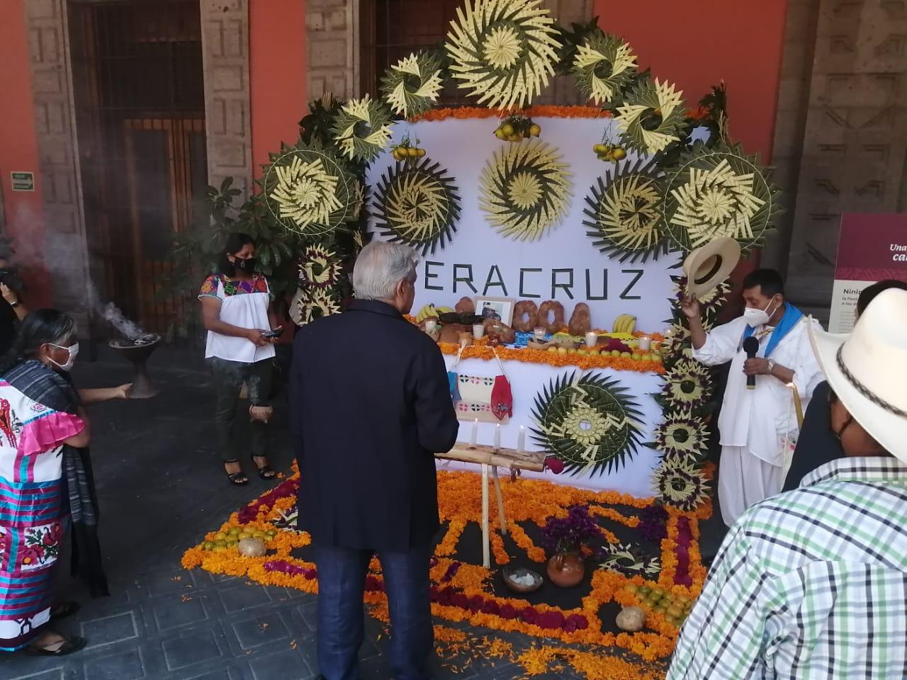 Inauguró AMLO ofrenda en honor a víctimas de la pandemia