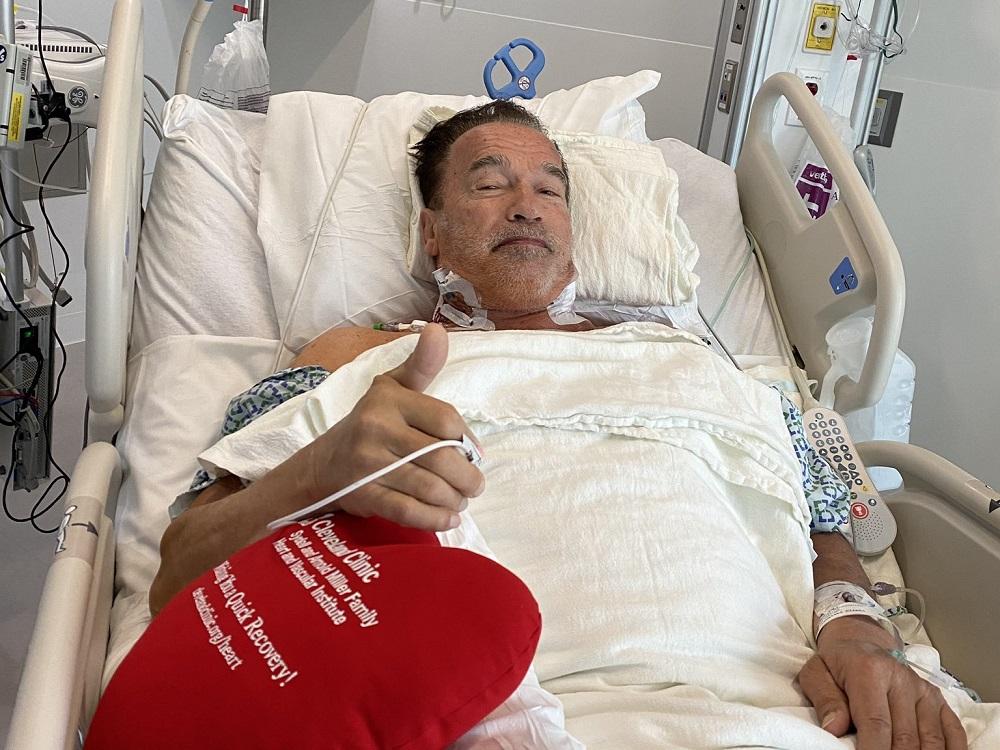 Arnold Schwarzenegger se recupera de cirugía de corazón