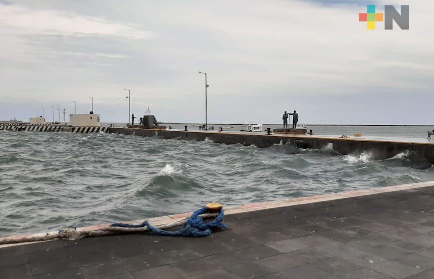 Rachas de viento alcanzan los 80 k/h en zona costera central del estado de Veracruz