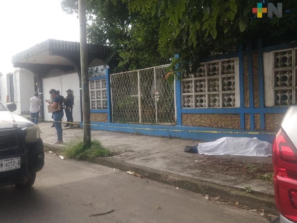Infarto fulminante termina con vida de empleado en Minatitlán