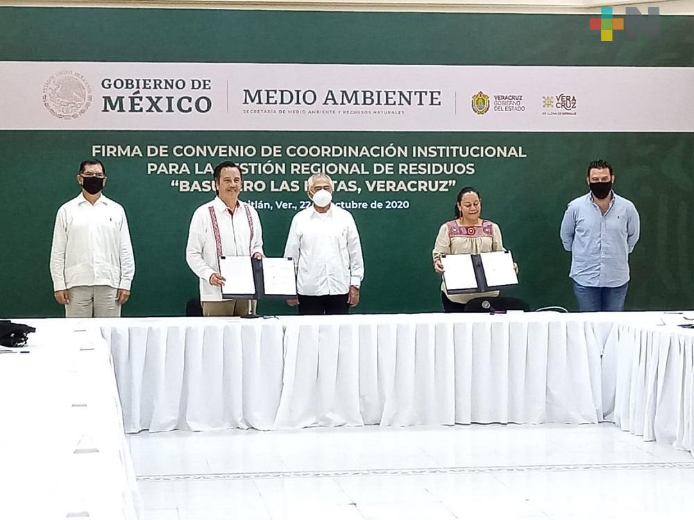 Firmó Gobernador de Veracruz convenio con Semarnat para remediación de basurero en el sur